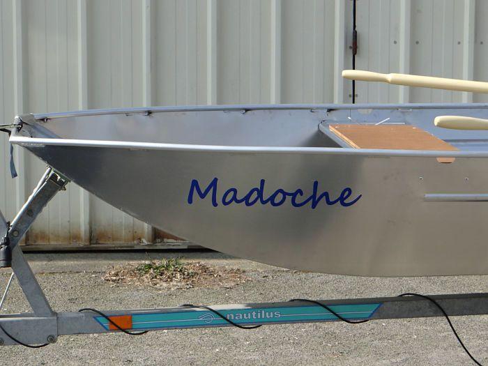 Leichtes Fischerboot (4)