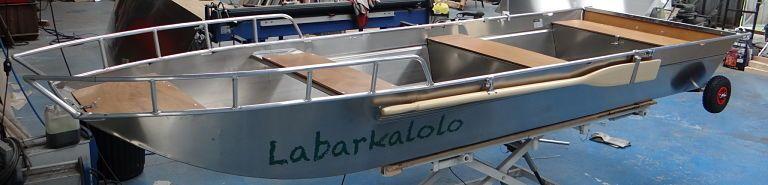 Leichtes Fischerboot (6)