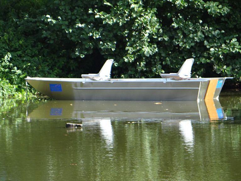Flachbodenboot  _24