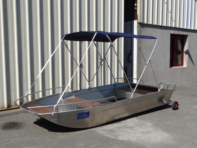Leichtes Fischerboot (9)