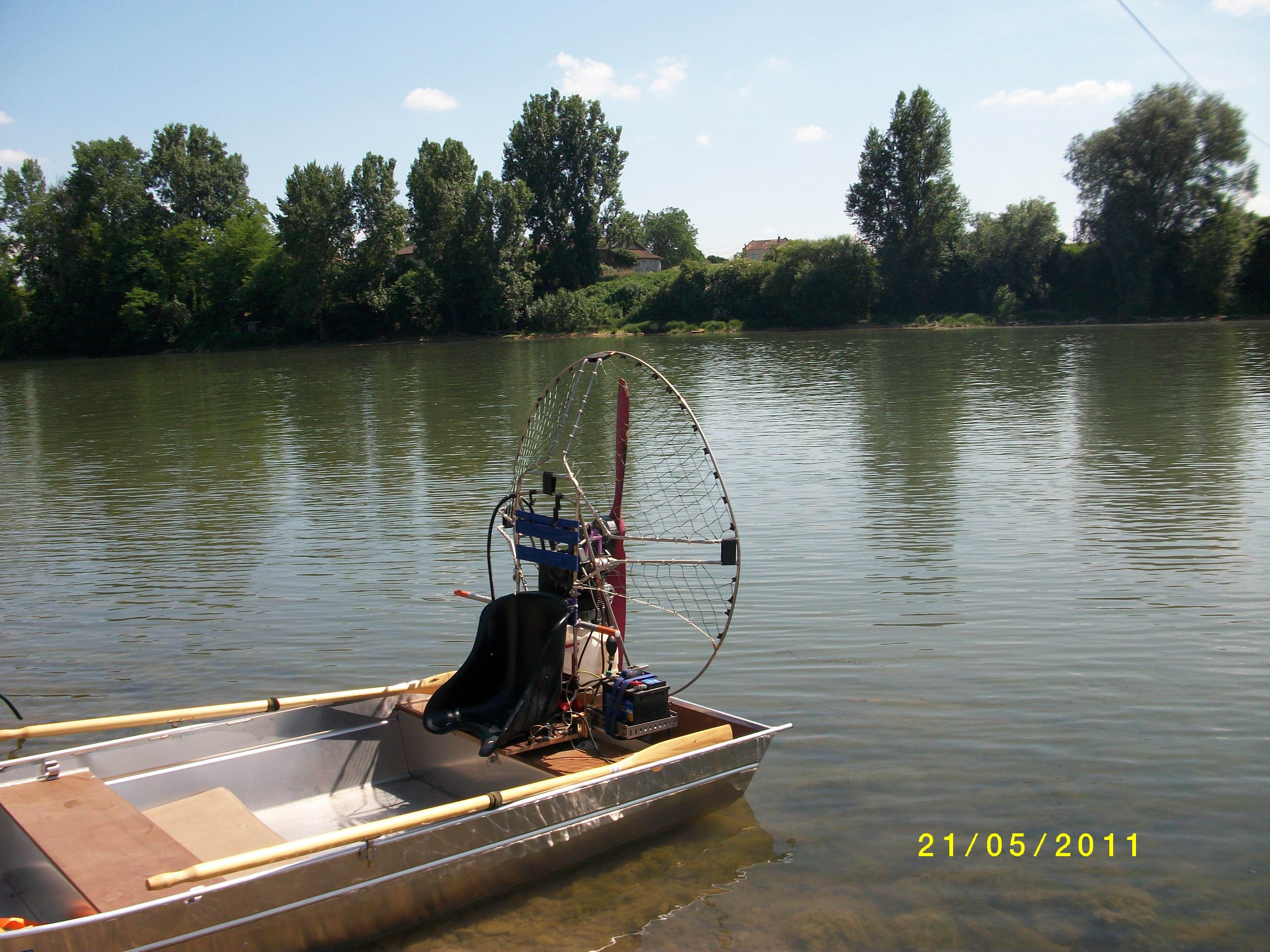 Tragflächenboot (10)