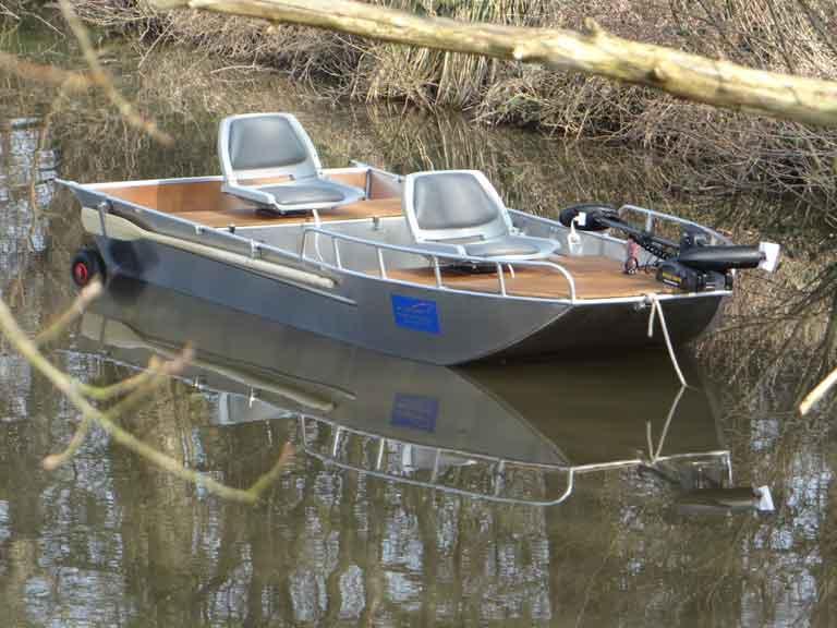 Leichtes Fischerboot