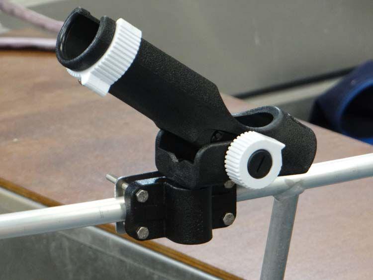 Aluminiumboot - schwarzer Rohrstockhalterung (4)